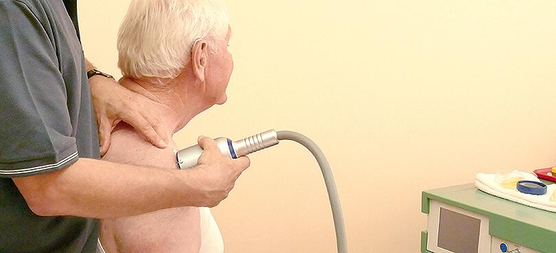 Stoßwellentherapie bei Gelenkschmerzen und Arthrose
